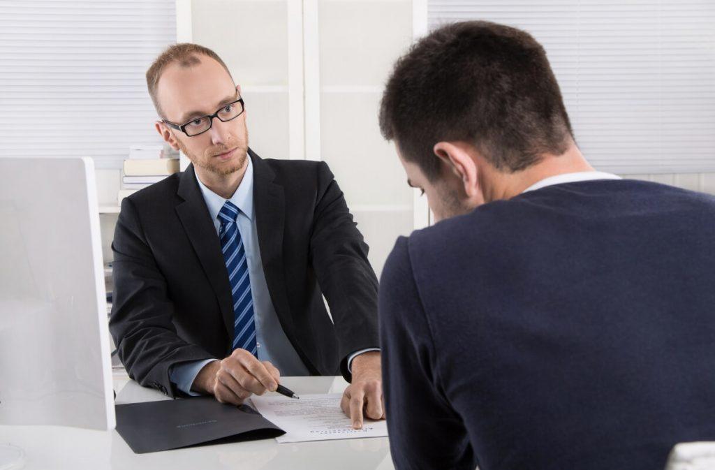 rupture-cdd-initiative-employeur-salarie