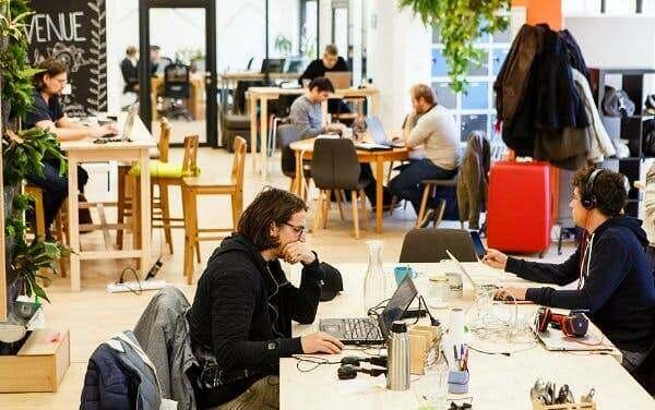accelerer-processus-embauche-salarie-fiche-poste-marque-employeur-questions-interdites