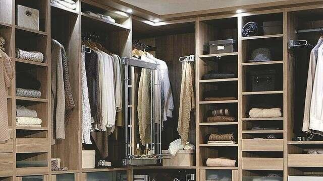 employeur-peut-il-imposer-tenue-vestimentaire-travail-fonction-publique