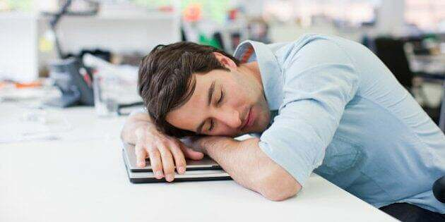 sieste-au-travail-loi-legislation-mise-en-place-avantages-inconvenients