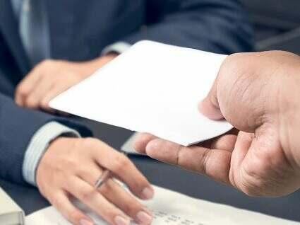 consequence-demission-sans-preavis-solde-tout-compte-cdd-refus-employeur