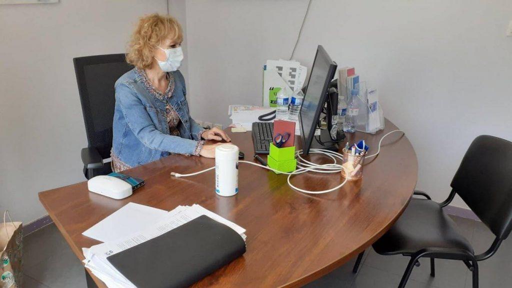 comment-reagir-salarie-positif-coronavirus-covid-19-entreprise-professionnel-rh